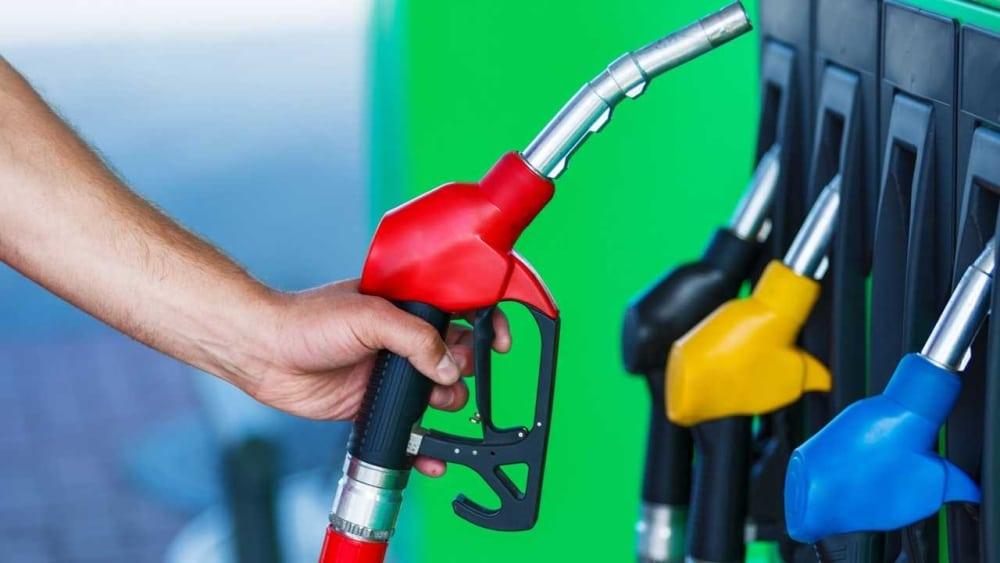 Hoe u door uitgekookt tanken altijd goedkope brandstof heeft!